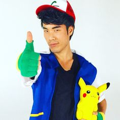 Eugene Lee Yang as Ash Ketchum Eugene Lee Yang, Try Guys, Clever Halloween Costumes, Hot Asian Men, Smosh, Animal 2, Catch Em All, Queen, Man Crush
