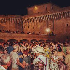 Summer Jamboree, Senigallia - Foto di @larsenio Maya, Places To Visit, Instagram Posts, Summer, Painting, Travel, Tourism, Pictures, Summer Time