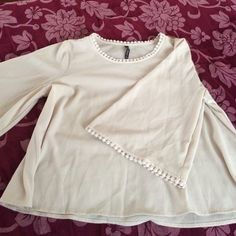 Blouse Only worn once ! It's practically brand new ! Tops Blouses
