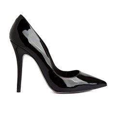Zapato de mujer de charol negro Mas34 hecho en España. Es un must de tu vestuario. Elegante y femenino, completará tú vestido perfecto.