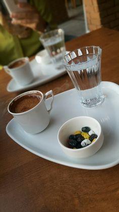 Kaçamak kahvesi😆 Snap Food, Meal Prep For The Week, Dish Sets, Snapseed, Coffee Love, Tea Time, Panna Cotta, Snacks, Meals
