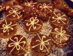 Christmas Sweets, Christmas Goodies, Christmas Baking, Party Food Trays, Czech Recipes, Toblerone, Desert Recipes, Gingerbread Cookies, Nutella