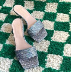 "My Chalom on Instagram: ""Cindarella 2.0 @_________carol_________ ⚡️"" Heeled Mules, Slip On, Sandals, Heels, Fashion, Heel, Moda, Shoes Sandals, Fashion Styles"