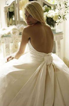 (Phillipa Lepley dress)