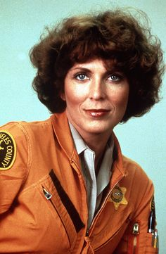 joanna cassidy helicopter pilot