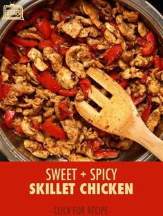 Rachael Ray prepared a hot sweet pepper skillet chicken dinner as part of an experiment to make three meals using ingredients from a single shopping bag. Be sure to let your veggies sweat for awhile (Chicken Ingredients Dinners) Entree Recipes, Top Recipes, Easy Healthy Recipes, Dinner Recipes, Cooking Recipes, Fun Cooking, Dinner Ideas, Chicken Skillet Recipes, Chicken Meals