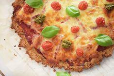 Sprød italiensk pizzabund, lavet på sunde proteinrige Quinoa - opskriften er glutenfri og indholder ingen mel. Se hvordan du hurtigt, nemt & billigt kan lave en sund og lækker pizza. Find opskriften her...