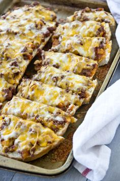 Sloppy Joe Pizzas