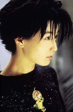 Maggie Cheung in Chinese Box dir by Wayne Wang. She plays Jean, a Hong Kong girl who seems lost in the colonial metropolis. Maggie Cheung, Female Dragon, Now And Then Movie, Film Stills, Martial Arts, Style Icons, Hong Kong, Movie Tv, Lost