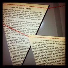 vlaggetjes van oude boeken