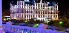 El Gran Hotel por la noche, preciosa foto nocturna, iluminación exterior realizado por Switch-Made y bajo criterio técnico de E. Romero Sevilla