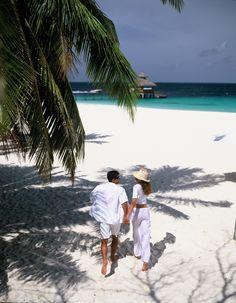 honeymoon couple walking down the beach in Maldives Image Andrea Pohlman Maldives Vacation, Maldives Honeymoon, Visit Maldives, Couple Beach Pictures, Honeymoon Pictures, Couples Beach Photography, Maldives Wedding, Couples Walking, Beach Poses