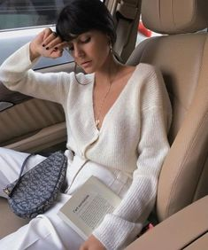 Chic Neutral Outfits That Definitely Aren't Boring All beige outfit Beige Outfit, Neutral Outfit, Mode Outfits, Fashion Outfits, Fashion Tips, Fashion Trends, Women's Fashion, Fashion Women, Fashion Quiz