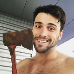 If you forgot I'm on a show about murder, here's a pic of me with an axe. #HTGAWM
