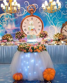 New Birthday Table Decorations Kids Outdoor Ideas Cinderella Party Decorations, Cinderella Quinceanera Themes, Birthday Table Decorations, Quinceanera Decorations, Quinceanera Party, Quince Decorations, Cinderella Sweet 16, Cinderella Story, Cinderella Birthday