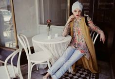 Hijab way muslim fashion Muslim Fashion, Modest Fashion, Hijab Fashion, Fashion Outfits, Hijab Wear, Hijab Outfit, Floral Jeans, Floral Tunic, Hijab Chic
