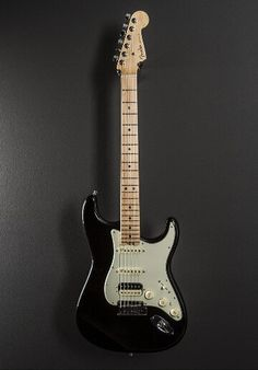 Fender Elite Strat HSS Maple Mystic Black
