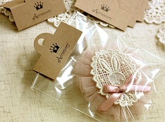 Simple packaging for handmade gifts