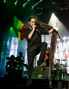 Damian Marley Jr. Gong Well a me name Jr.Gong Me seh look how mi natty tall Who nuh know me from dem see me Me a living top-a-nor Clarky boot and khaki suit You think me go a Calabar Well pitty dem nuh know seh every dreadlocks is a star
