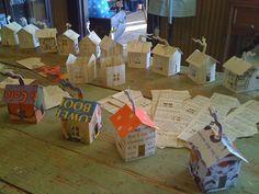 Magic paper house light by Hutch Studio - ego-alterego.com. Desværre er det umuligt at skaffe skabelon eller kit - de har lukket ned - snøft
