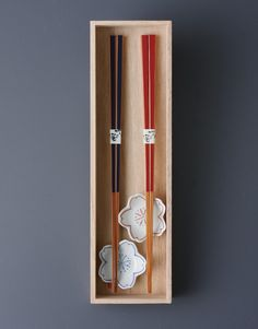 Beautiful Chopstick with Sakura chopstick rest (Hasami-yaki porceilain). Box is made by paulownia. Perfect for the gift.