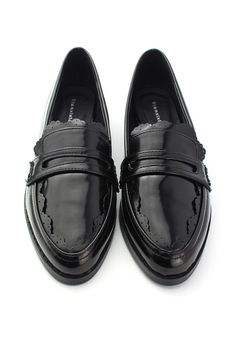 Love my black patent loafers with jeans and a white tee shirt...