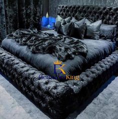 Chesterfield Bed, Wingback Bed, Glam Bedroom, Room Ideas Bedroom, King Bedroom, Sleigh Bed Frame, Black Bedroom Design, Black Bedroom Decor, Black Bedrooms