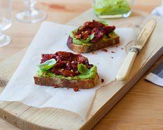 avokado in suhi paradižniki   jernejkitchen.com