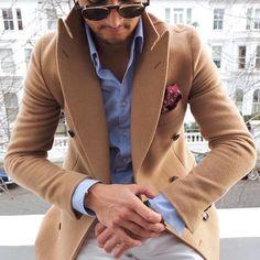 """My favourite winter combo  camel coat X light blue shirt X burgundy pocket square ✔️ #camelcoat #winterstyle #wintercoat #camel ——————————————————————…"""