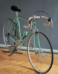 Bianchi Rekord 745 mid 1970's. My first racing bike was an old Bianchi I bought from an Italian kid, though not quite as old as this one. Same distinct color though.