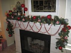 Be Amazed With These Christmas Fireplace Mantel Decors : Fascinating Christmas Fireplace Mantel Decor with Glitter Christmas Balls and Christmas Garland also Pine Cones and Red Glitter Snowflakes Diy Christmas Garland, Decoration Christmas, Elegant Christmas, Xmas Decorations, Beautiful Christmas, Christmas Home, Christmas Crafts, Christmas Christmas, Christmas Villages