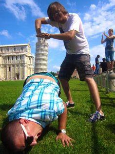 İtalya'daki Pisa Kulesi neden ve nasıl eğildi?