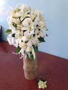 Wedding Flowers, Glass Vase, Home Decor, Decoration Home, Room Decor, Home Interior Design, Home Decoration, Bridal Flowers, Interior Design