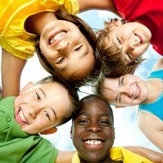 5 jeux et activités pour aborder le thème du racisme avec les enfants de 3 à 12 ans.