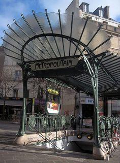 Art Nouveau Metro entrance by Hector Guimard - Châtelet Pl… | Flickr