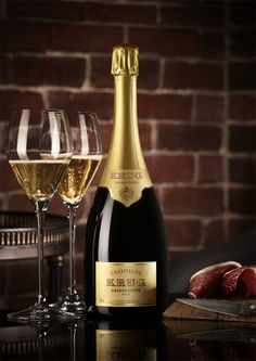 A simple and random collection of thoughts about life & love, wants & desires, and the direction. Krug Champagne, Champagne Drinks, Champagne Party, Champagne France, Drinks Alcohol Recipes, Alcoholic Drinks, Cocktails, Etiquette Champagne, Expensive Champagne