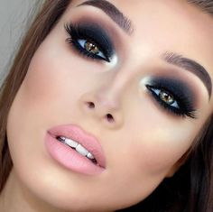 Someone, ANYONE, please comment the real name of this beautiful makeup artist so I can give credit.?:)✨