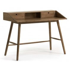 MESA DE ESCRITORIO THRILLER DE MADERA MINDI Mesa de escritorio THRILLER con cajonesde madera maciza de mindi en acabado natural rústico.  Las medidas son 120 x 60 cm. y la altura es de 90 cm. El peso del escritorio es de 21 kg.  Este producto requiere un pequeño montaje por parte del cliente.