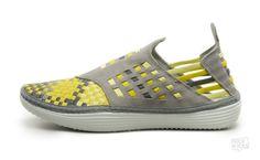 "Nike Solarsoft Rache Woven Premium ""Vivid Sulfur"" (Sport Grey/Midnight Fog-Vivid Sulfur)"