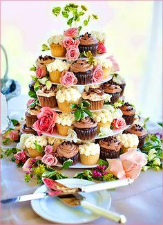 Cupcakes in colours, via Chic Vintage Brides Facebook