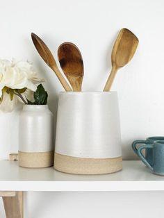 White Utensil Holder Ceramic Utensil Holder, Kitchen Utensil Holder, Farmhouse Pottery, Pottery Wheel, White Vases, Pencil Holder, White Clay, Clay Pots, Crock