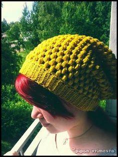 Pipon ytimestä: Urban Jungle-beanie in finnish Free Crochet, Knit Crochet, Crochet Hats, Crochet Accessories, Crochet Ideas, Knitted Hats, Beanie, Urban, Knitting