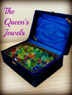 Sun Hats & Wellie Boots: Sorting the Queen's Jewels (Exploring Water Beads) Sensory Bins, Sensory Activities, Sensory Play, Castles Topic, Beading For Kids, Queens Jewels, Birthday Activities, My Father's World, Queen Birthday