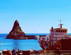 Sicilia isola dei ciclopi fotografia