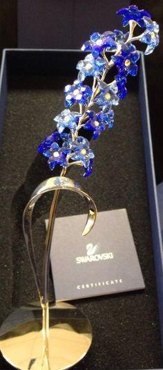 Swarovski Swarovski Crystal Figurines, Swarovski Jewelry, Swarovski Crystals, Real Costumes, Glass Figurines, Cool Items, Fashion Dolls, Nick Nacks, Sparkle