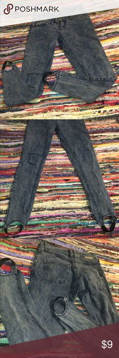 Stretchy Denim Pants Size: 1 skinny jean Medium blue color denim stretch pants. 98 percent cotton 2 percent spandex. They have foot holder things on the bottom I don't know what thoose are called if anyone knows tell me in the comments! They are neat. Great condition no tears. Jeans Skinny