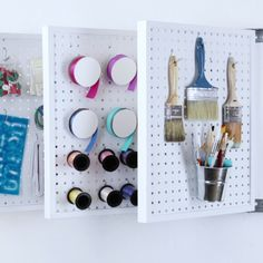 Pegboard Flip Book Storage-- This is an ingenious idea that I'm sure quite a few households would find as a useful organization system in their garage. arts and crafts and projects Craft Organization, Craft Storage, Storage Ideas, Organizing Ideas, Pegboard Storage, Storage Stairs, Storage Design, Extra Storage, Diy Vinyl Storage