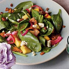 Mango-Spinach Salad