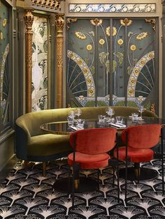 Interior Architects Humbert & Poyet unveil the interiors of their latest design project - Beefbar, Paris. The former Art Nouveau and Art Deco rooms of the former Lamgham Hotel. Muebles Estilo Art Nouveau, Estilo Art Deco, Art Nouveau Interior, Art Nouveau Design, Art Nouveau Bedroom, Art Deco Room, Art Deco Interior Living Room, Casa Art Deco, Art Deco Bar