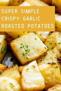 Super Simple Crispy Garlic Roasted Potatoes! These are such a simple way to add some extra flavor to any dinner recipe. These crispy garlic potatoes are the perfect side dish! Buttery, garlicky, fluffy inside with crisp, golden edges… these roasted potatoes tick all my boxes! Plus, you can toss them together in one pan! Gourmet Recipes, Diet Recipes, Vegetarian Recipes, Cooking Recipes, Side Dishes Easy, Main Dishes, Wendy House, Cafe Delites, Easy Food To Make